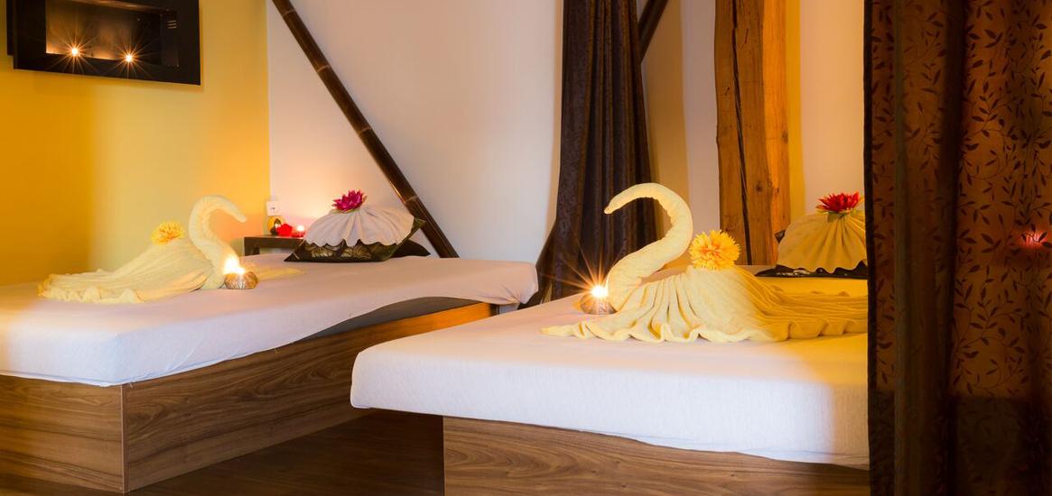 Nechte se hýčkat profesionálními thajskými terapeutkami vystudované v prestižních školách WAT PHO Massage a Thai Traditional schools.